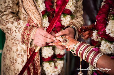 Wedding Ceremony Ring Exchange by Pin Hindu Wedding Ring Exchange Rings On