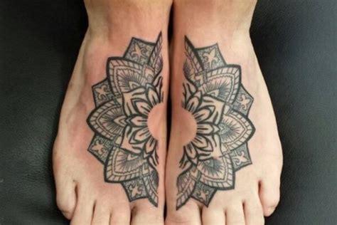 tattoo mandala caviglia idee originali per un tatuaggio a cavigliera piede e caviglia