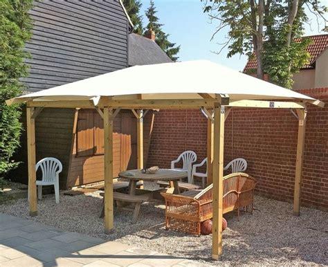come costruire una tettoia di legno realizzare una tettoia in legno fai da te arredamento