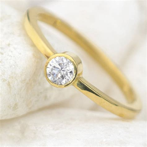 engagement ring in ethical 18ct gold by lilia nash