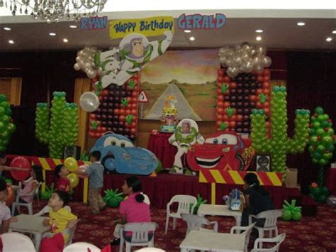 decorar con globos cumpleaños infantiles como decorar un baby shower con globos