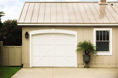 Farmhouse Garage Doors Carriage House Steel Garage Doors Faux Wood Garage Door Farmhouse Garage Doors And Openers
