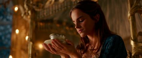 emma watson di film beauty and the beast new beauty and the beast trailer starring emma watson