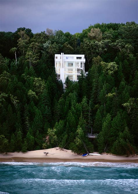 richard meier house richard meier s douglas house in michigan granted designation
