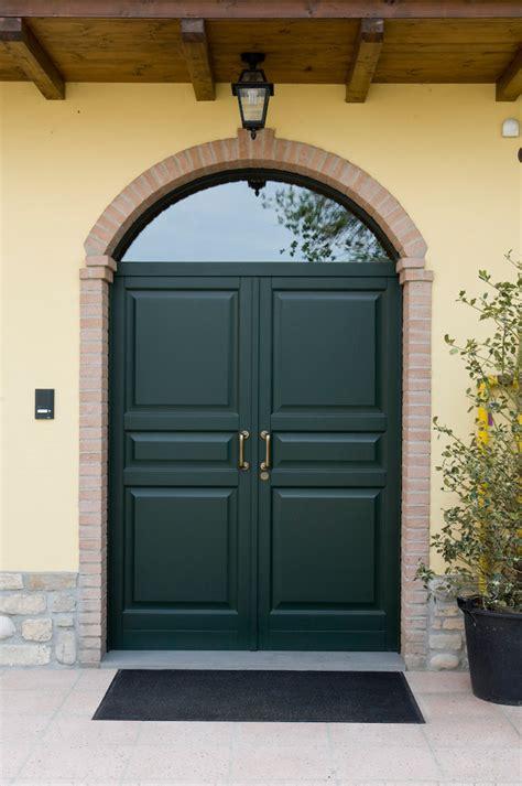 porte in legno da esterno porte da esterno e portoncini a fontana serramenti e