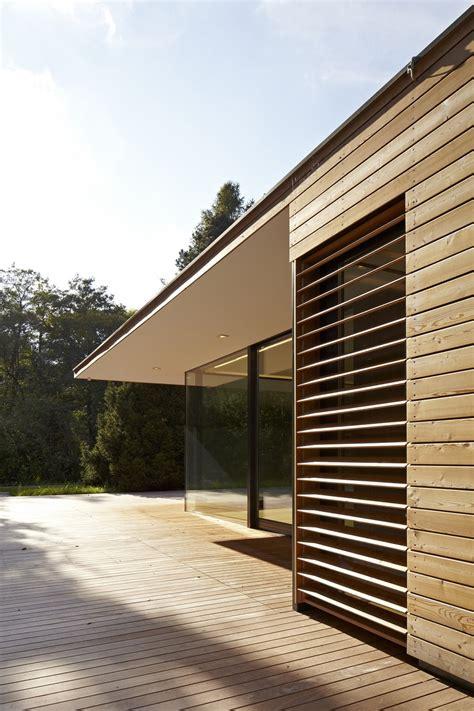 glass haus modern summer retreat in wood and glass haus hainbach2014