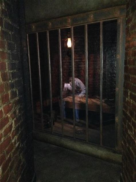 states with basements cell in basement of state capitol picture of louisiana s state capitol baton