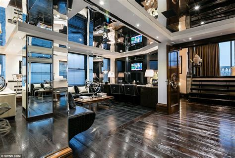 Kitchen Floor Plans By Size by London Penthouse Once Home To Rihanna And Tom Cruise For