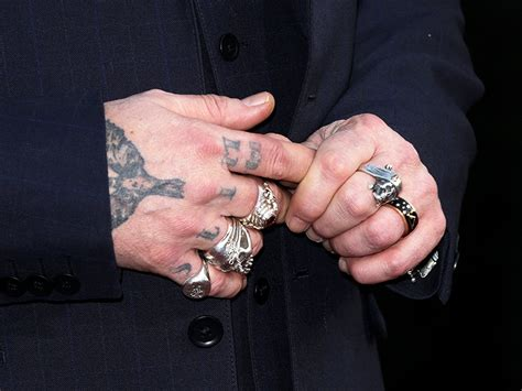 johnny depp finger tattoo johnny depp changes heard from slim to scum