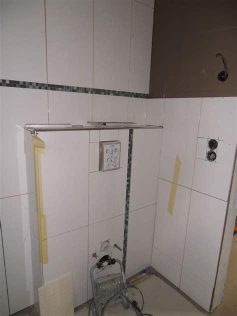 wandfliesen bad kaufen badezimmer tapeziert surfinser
