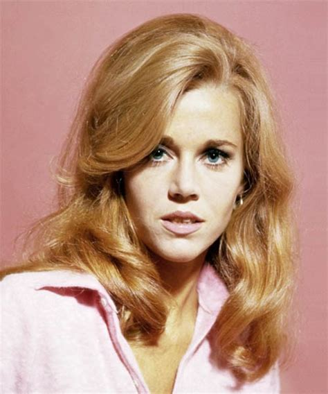 what color hair is fondas 30 best jane fonda hairstyles