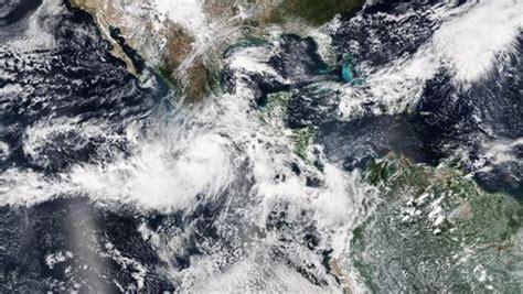 imagenes impactantes del huracan patricia m 233 xico en alerta fotos impactantes del hurac 225 n patricia
