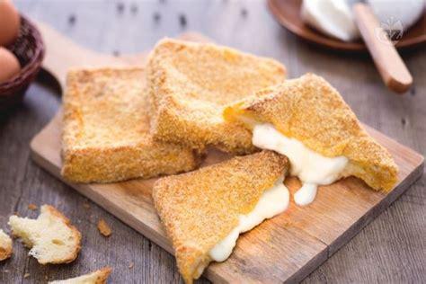 mozzarella in carrozza ricetta originale ricetta della mozzarella in carrozza fritta pomodoro