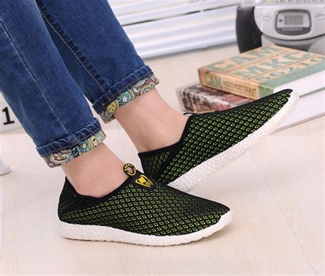 Sepatu Santai Sneakers Cowok Black Master Slip On Slop Murah Pria sepatu slip on mesh pria size 40 black green jakartanotebook
