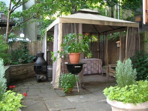 backyard brooklyn brooklyn backyard escape favorite places spaces pinterest
