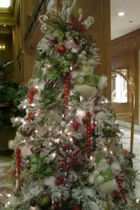 decorated trees how to decorate a christmas tree professionally with ribbon