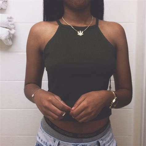 Olive Black Top Tshirt By Mrls top olive green grunge t shirt crop tops gold midi rings forever 21 rue21 shorts