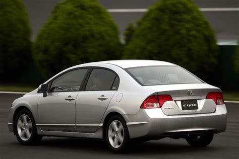 Honda Or Toyota Which Is Better 2003 2008 Toyota Corolla Vs 2006 2011 Honda Civic Which