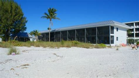 Shalimar Cottages Sanibel by Shalimar Cottages And Motel In Sanibel Fl Free Swimming Pool Outdoor Pool Non