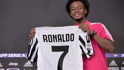 ronaldo juventus authentic jersey cuadrado speaks on handing juventus no 7 shirt to ronaldo daily post nigeria