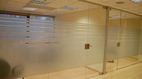 cerramientos oficinas foto cerramiento de cristal de las oficinas de gramil