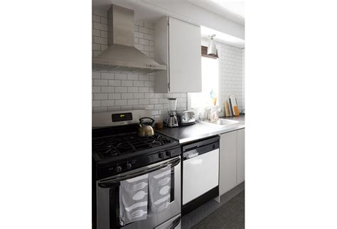 subway tile backsplashes hgtv subway tile kitchen backsplash photos hgtv canada