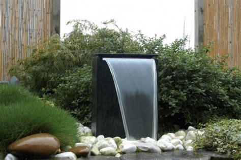 moderne wasserspiele 720 gartenbrunnen welche gibt es was unterscheidet sie