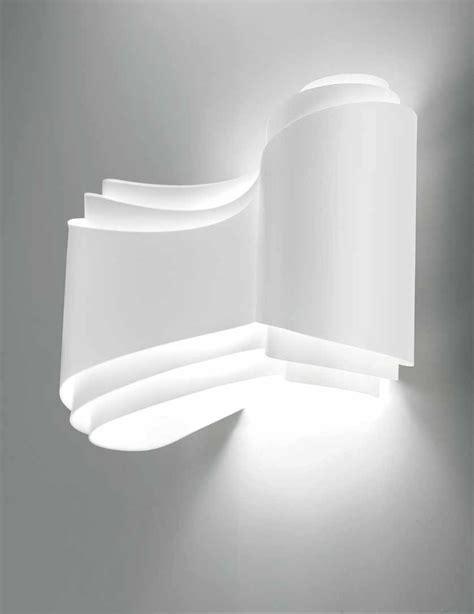 Plaid Blanc 3163 by Applique Design Ionica On Adore Sa Forme Tr 233 S Fluide