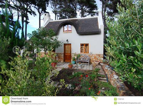 granny cottage thatch cottage stock photos image 1740143