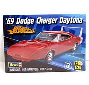 1969 Dodge Charger Daytona Revell 85 4910 1/25 New