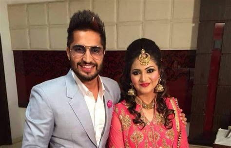 Jassi Gill Wife Photos | jassi gill marriage pics with wife hd