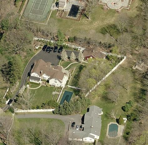 15 old house lane hillary clinton to charge 200 000 per speech