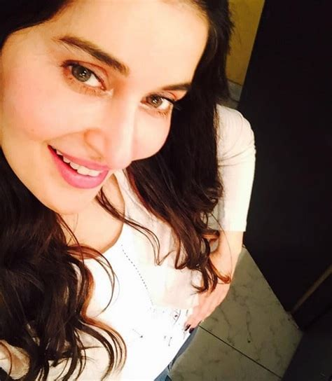shaista lodhis emotional goodbye   morning show fans reviewitpk