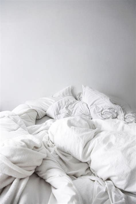 how to fluff a down comforter 25 best ideas about white down comforter on pinterest
