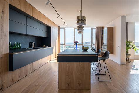 minimalist interior with focus on family functionailty