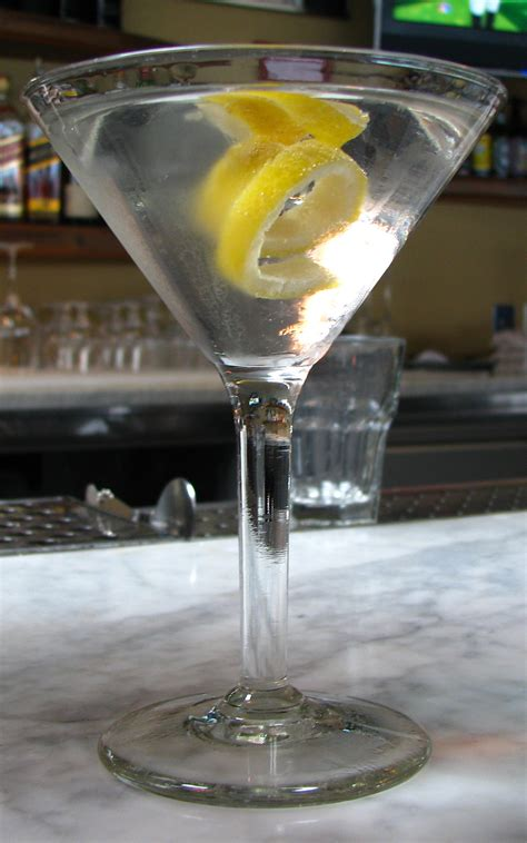 vesper martini vesper cocktail wikip 233 dia