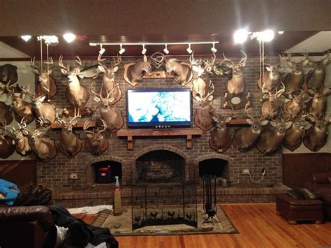 Pics For > Hunting Man Cave Ideas