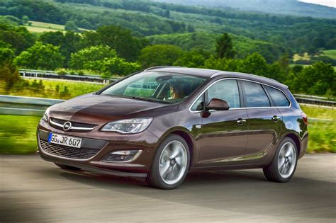 Opel Astra Turbo by Opel Astra Sports Tourer 1 4 Turbo 140