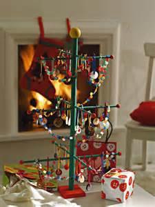 alberi di natale fatti in casa arriva natale idee originali per una tavola perfetta