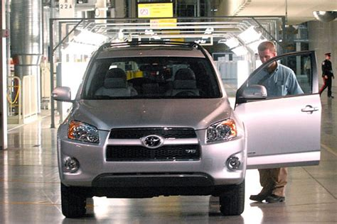 toyota rav4 manufacturing plant optimistic toyota to add 800 at woodstock plant