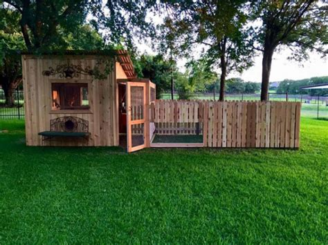Decorate Your Home On A Budget 14 creative chicken coop ideas outdoortheme com