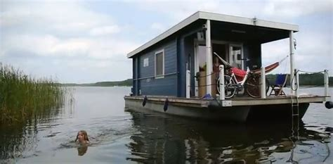 pontoon house boats 1000 ideas about pontoon houseboat on pinterest