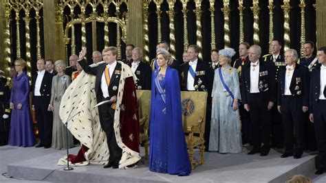 avondjurken roosendaal nederland ademde oranje tijdens inhuldiging nieuwe koning