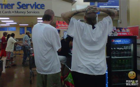 worst haircuts at walmart people of walmart hairstyles funny pictures walmart half