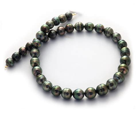 peacock aubergine tahitian pearl necklace with circle