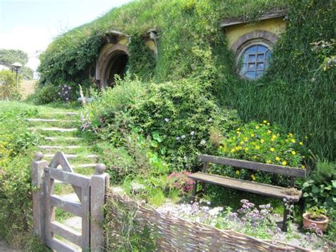 bilbo baggins house bilbo baggins house picture of hobbiton movie set tours hinuera tripadvisor