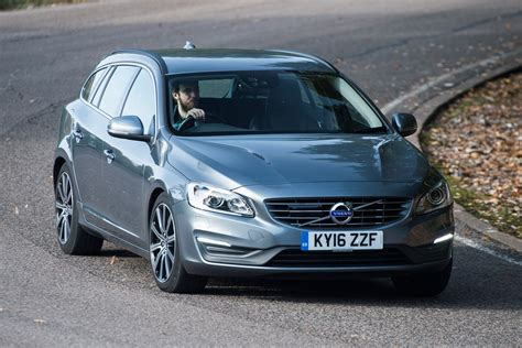 Volvo V60 D5 Twin Engine estate 2016 review   pictures