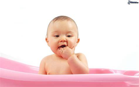 nella vasca da bagno bambino nella vasca da bagno
