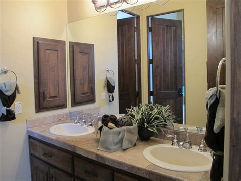 home stager shares 5 bathroom tips for selling