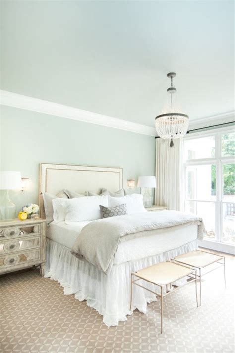 green and white bedrooms 1000 ideas about green bedroom paint on blue